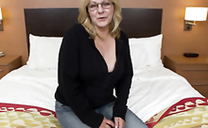 Amateur old lady first fucks big hard cock on cam