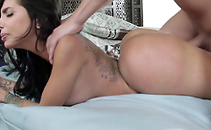 Raunchy masseur manages to fuck awesome Latina Lela Star from behind