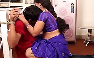 Teenage Boy Romance with Neighbor 30 Years Hot Aunty